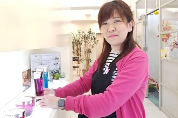 福岡の美容室ヘアメイクアージュ 二日市店の保育士 福島麻都香はどんなスタッフ?
